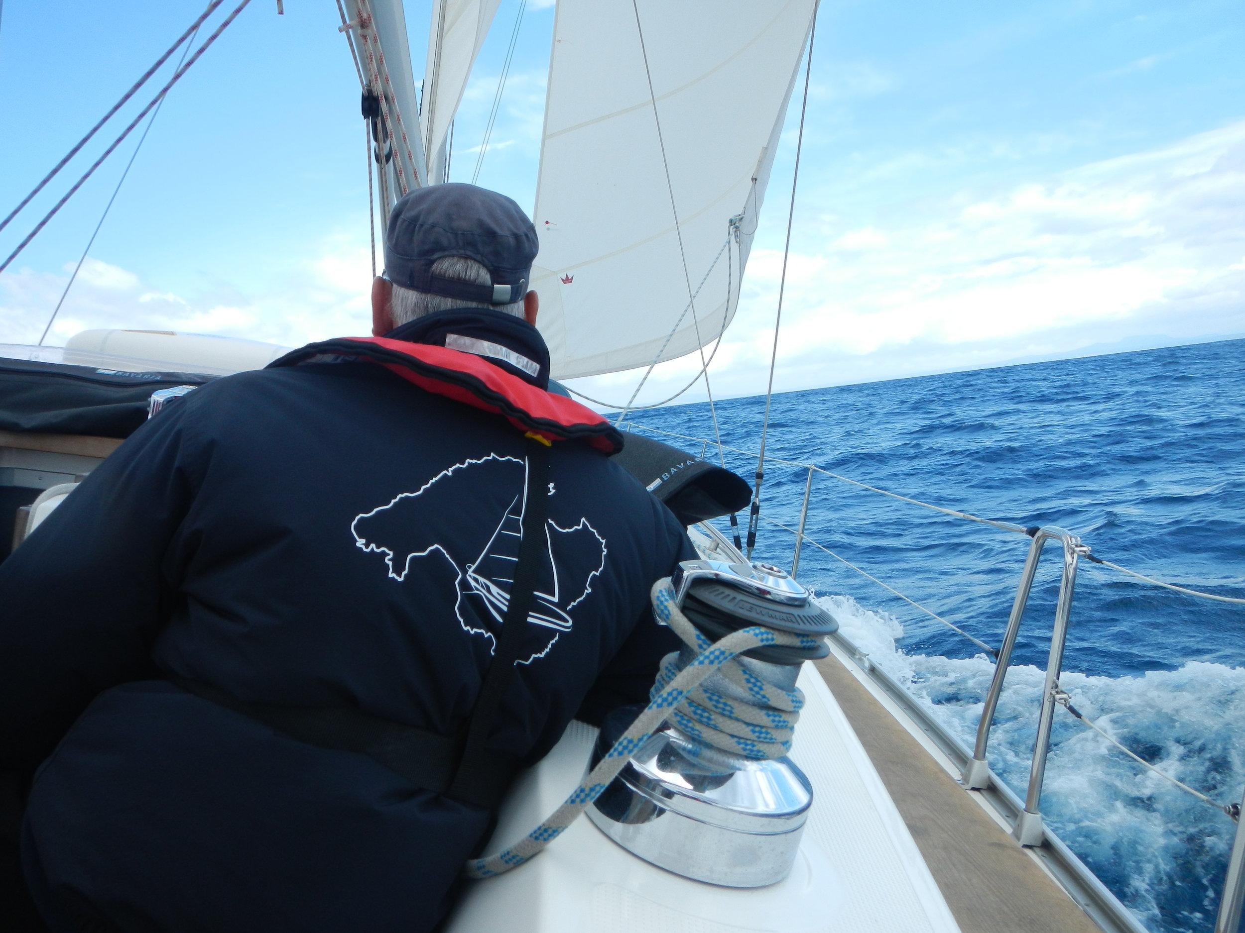 Die Crew ist hart am Wind.JPG