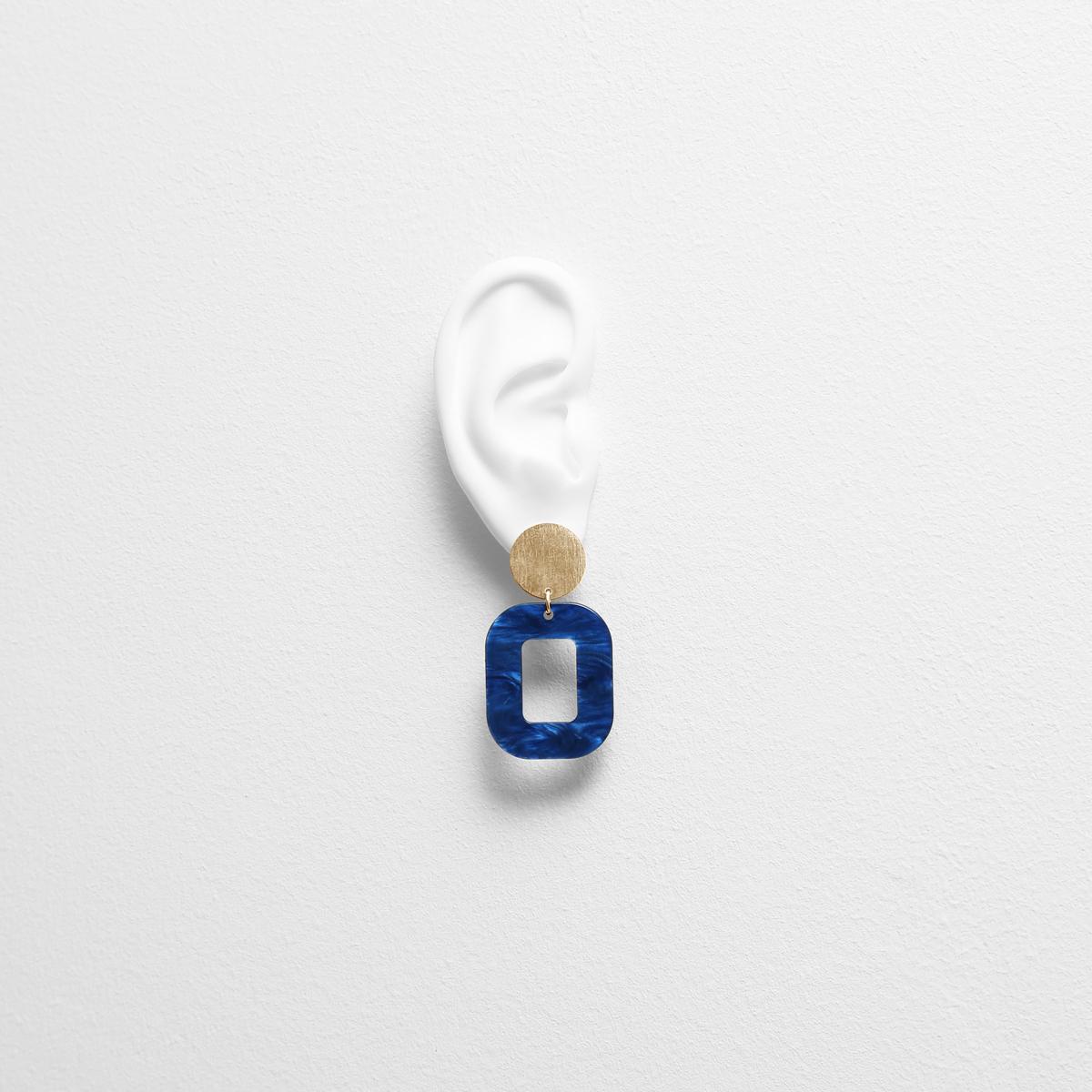 deep-blue-baby-rosa-earrings-try-on-FG.jpg