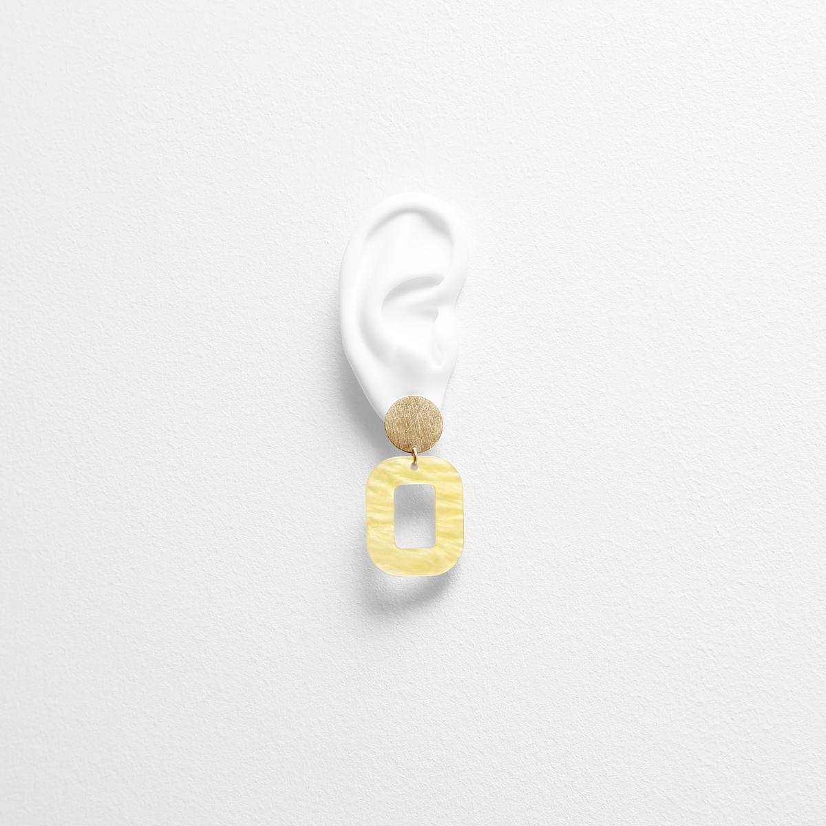 pastel-yellow-baby-rosa-earrings-try-on-FG.jpg