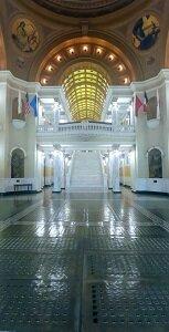 Cap Entry hallway full 300.jpg