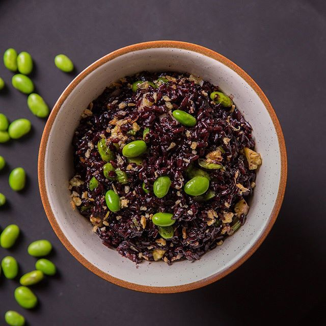 Embrace the culinary soul of Asia as you dive deep into a bowl of Edamame Black Rice, topped off with crispy burnt garlic bits. . . #KOKO #KOKOMumbai #KOKOExperience #AsianCuisine #Restaurants #FineDining #BeautifulCuisines