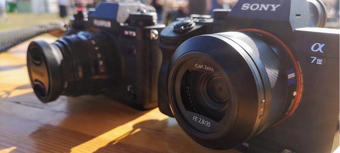 Sony A7III Fujifilm X-T3 Sony Zeiss 35mm F/2.8 SEL35F28Z Fujifilm XF 35mm F/2 .0 R WR