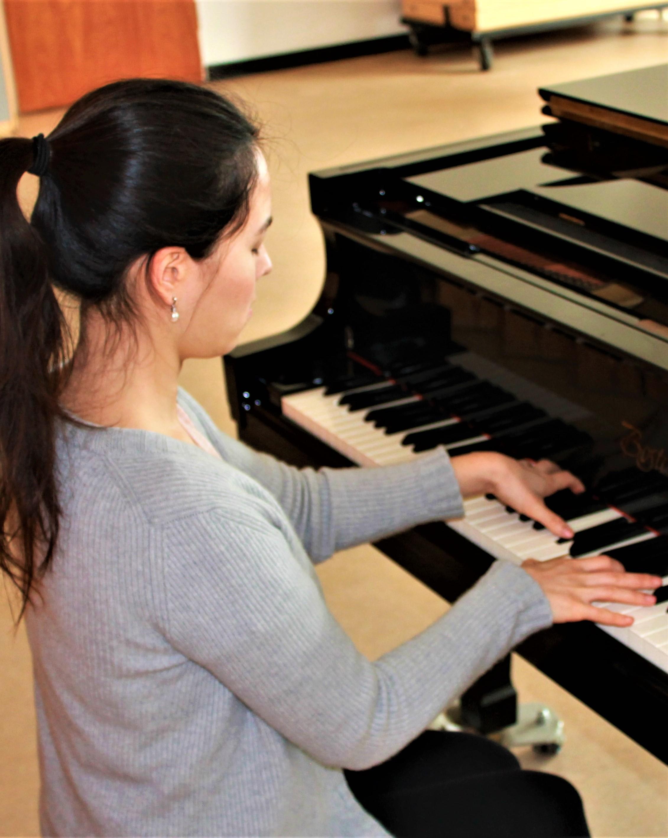 Rachel profil.jpg