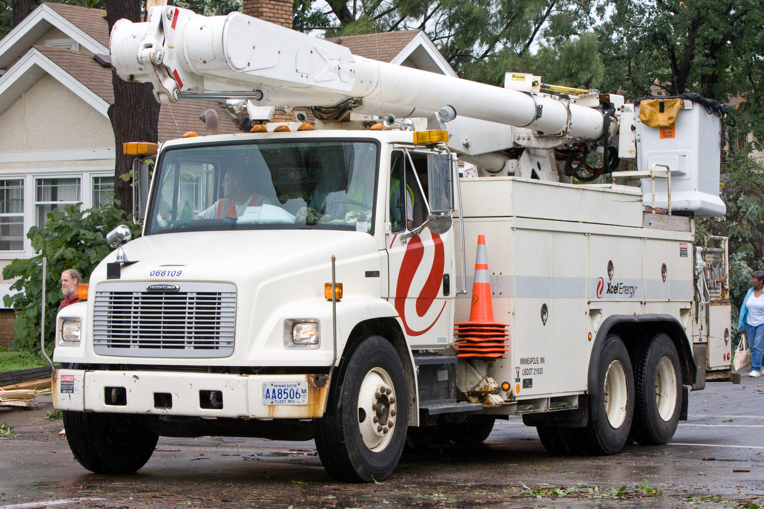 Xcel_Energy_Truck_Minneapolis_3837759131.jpg