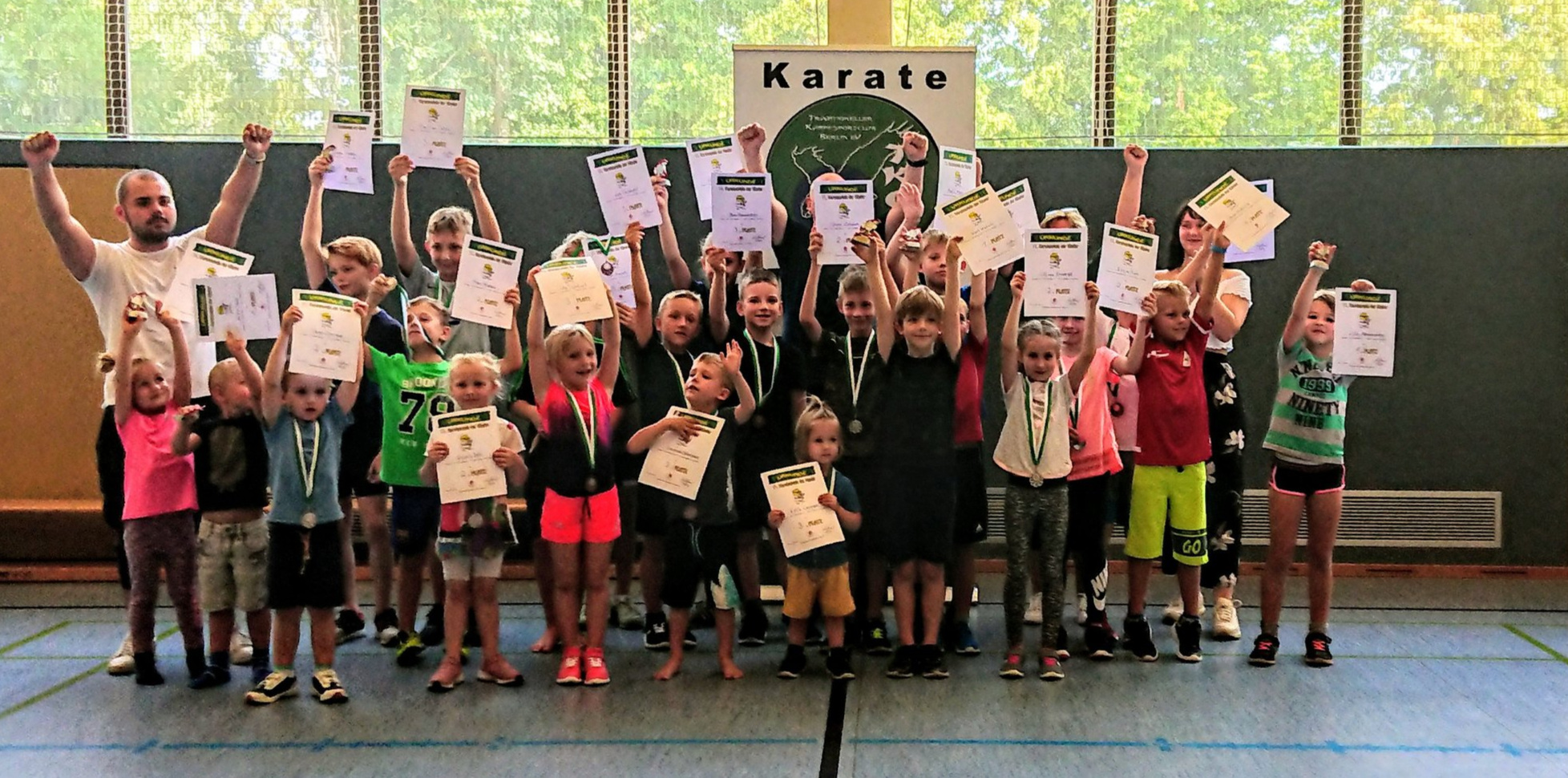 So sehen Sieger aus! 10. Karate-Spiele Berlin Müggelheim; Quelle: TKCB e.V.