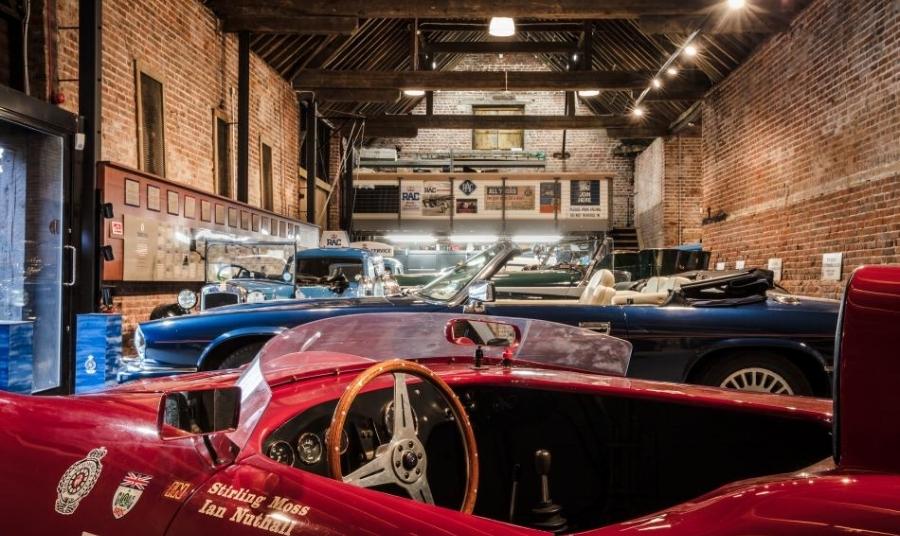 Royal automobile club -