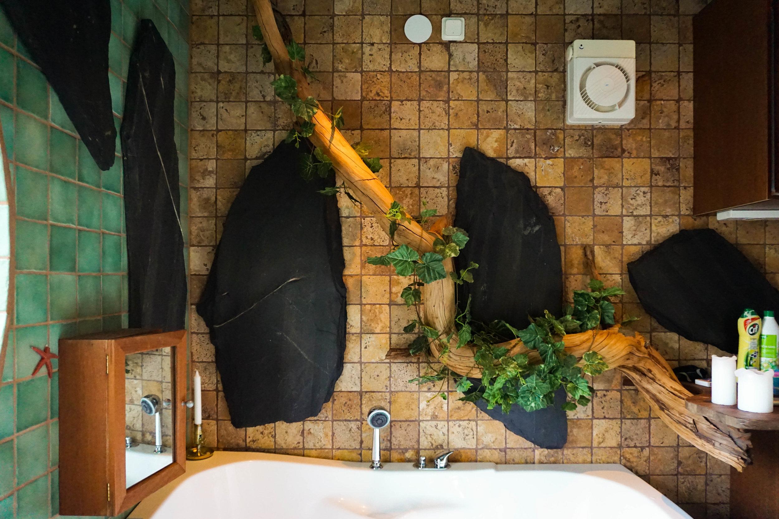 Karen Roldan - AirBNB - Skarpang, Taby - Hot Tub (1).jpg