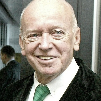 Kurt Bergmann †