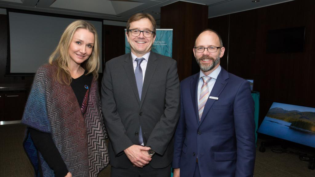 From left to right: Alexandra Cousteau, Oceana Senior Advisor; Jonathan Wilkinson, Minister of Fisheries, Oceans and the Canadian Coast Guard; Josh Laughren, Oceana Canada Executive Director.
