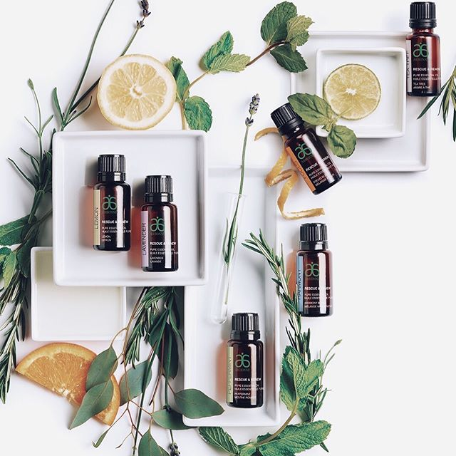 Do you use essential oils? ⠀ ⠀ When I was a little girl, my mom would use them for their healing properties and now, I rarely travel without at least one oil in my bag. ⠀ ⠀ For as long as I can remember, Lavender, Tea Tree, and Peppermint have always been my cure-all go-to oils. ⠀ ⠀ Lavender for anxiety relief, inspiration, and as a perfume. 💆🏻‍♀️⠀ ⠀ Tea Tree to calm my irritated skin, for bug bites, and to purify the air when I got sick. 🌱 ⠀ ⠀ Peppermint for headaches, nausea, and cramping/muscle soreness. 💪⠀ ⠀ Now I use a wide range of oils... but if I had to choose just 3 to use - those would be the ones! ⠀ ⠀ I love how connected I feel to the plants they came from, and how yummy they smell, but mostly I love how much of an instantaneous transformation they can create. ⠀ ⠀ Nature is magic. 🧚‍♀️⠀ ⠀ Do you use essential oils? If so, what are your favorites? ⠀ ⠀ P.S. Looking to stock up on oils or perhaps try something new to up-level your self-love? Head over to my store (link in bio or melaniemonaco.com/shop) 🌱✨🥰