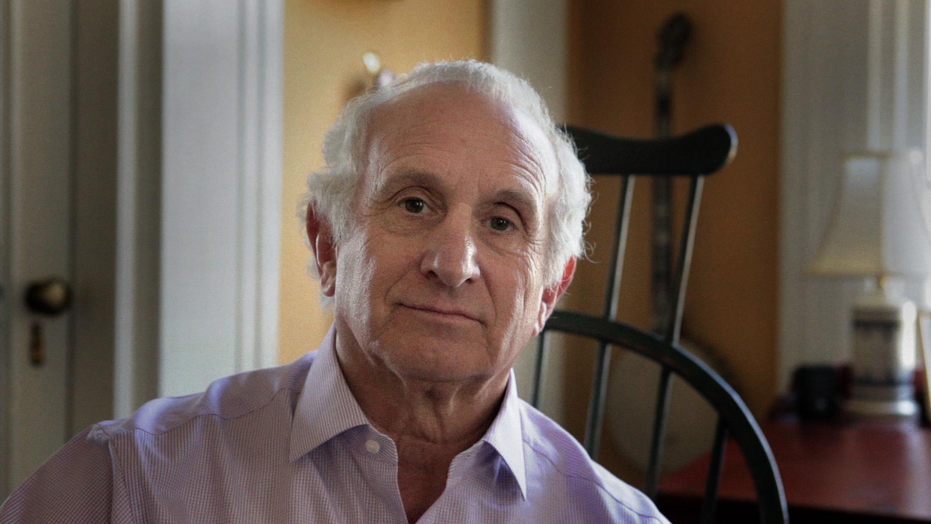 Peter Szego in his home in New Jersey. (Emon Hassan/Guitarkadia)