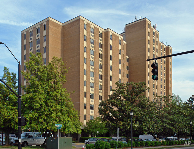 Glenwood Towers - Raleigh, North CarolinaExterior Repairs & Waterproofing