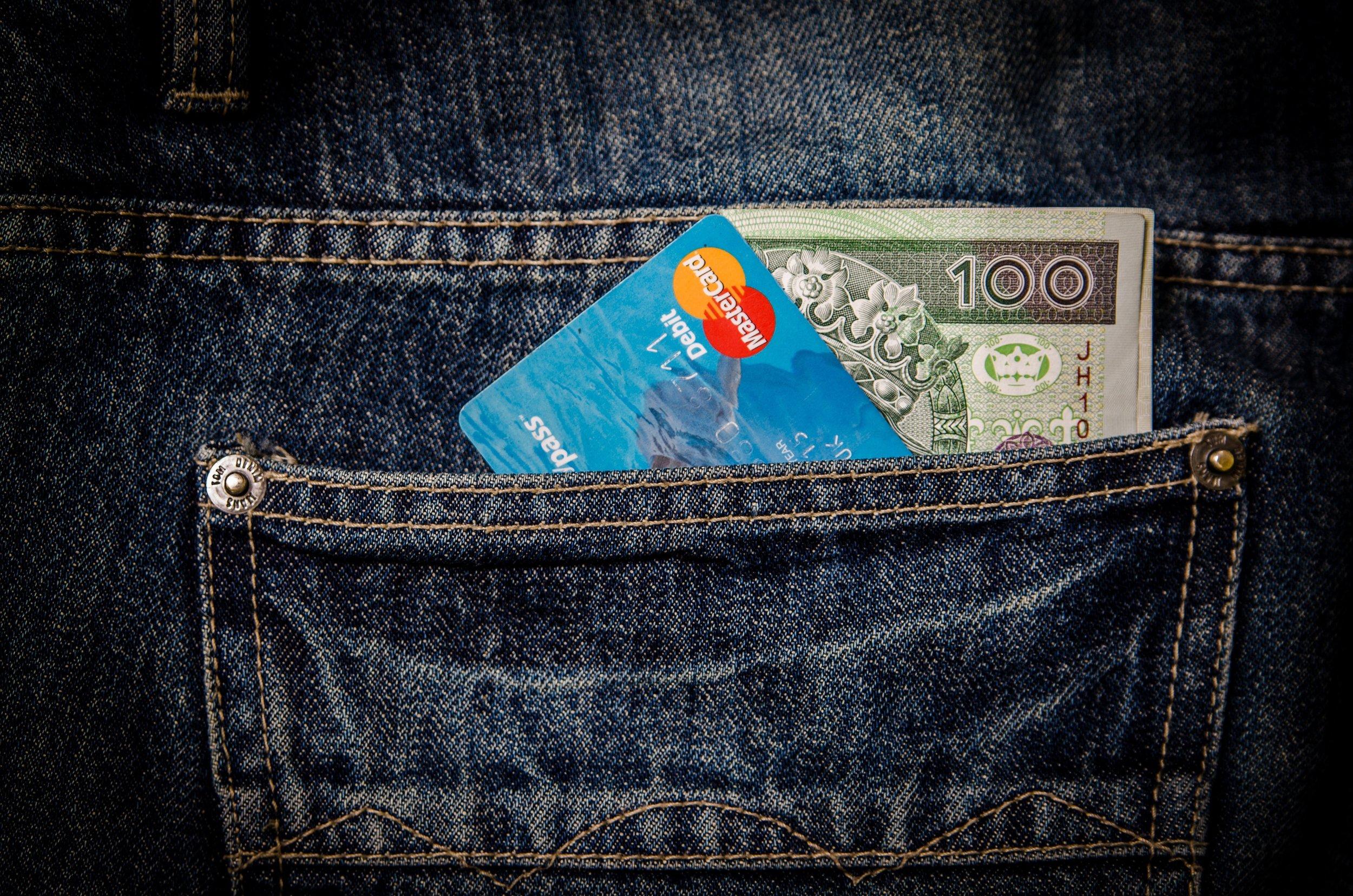 card-cash-debit-card-51122.jpg