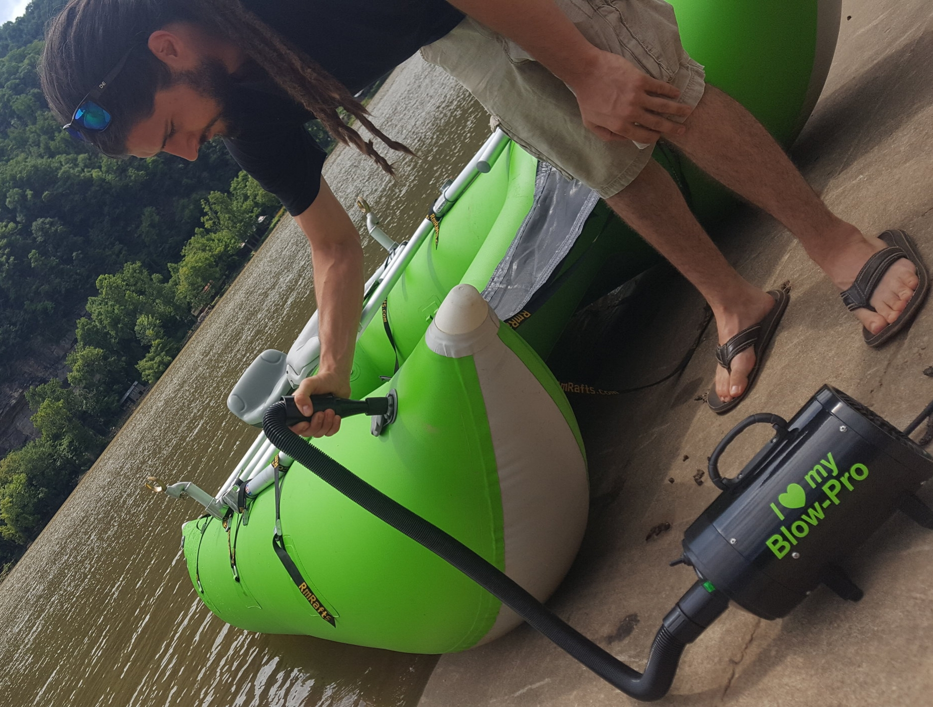 The BP-420 smokesthe competition! - • The BlowPro has 1600 watts - 50 m/s – 110v• Will top off a raft, cat, or kayak to 2.95 psi• Solid steel and molded plastic construction.• Retractable, flexible 3 foot hose extends up to 9 feet.• Available in any color, as long as it's black!• One year manufacturer's warranty• $169.00 / FREE SHIPPING