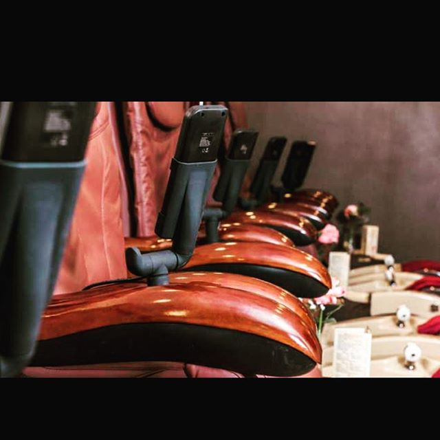 8 Amour pedicure chairs
