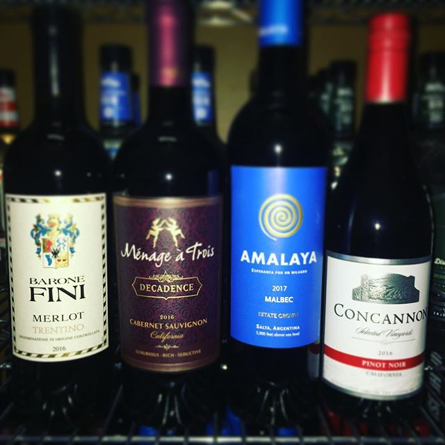 $10 OFF all bottles of wine! 🍷
