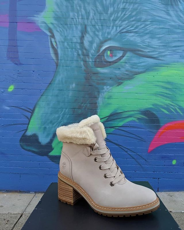 Step into Fall with the crazy cozy and waterproof Sienna High Shearling Boots. Available inside TBL Mpls @calhounsquaremn and MOA.  #fashionmeetsfunction #cozy #waterproofboots #timberland #new