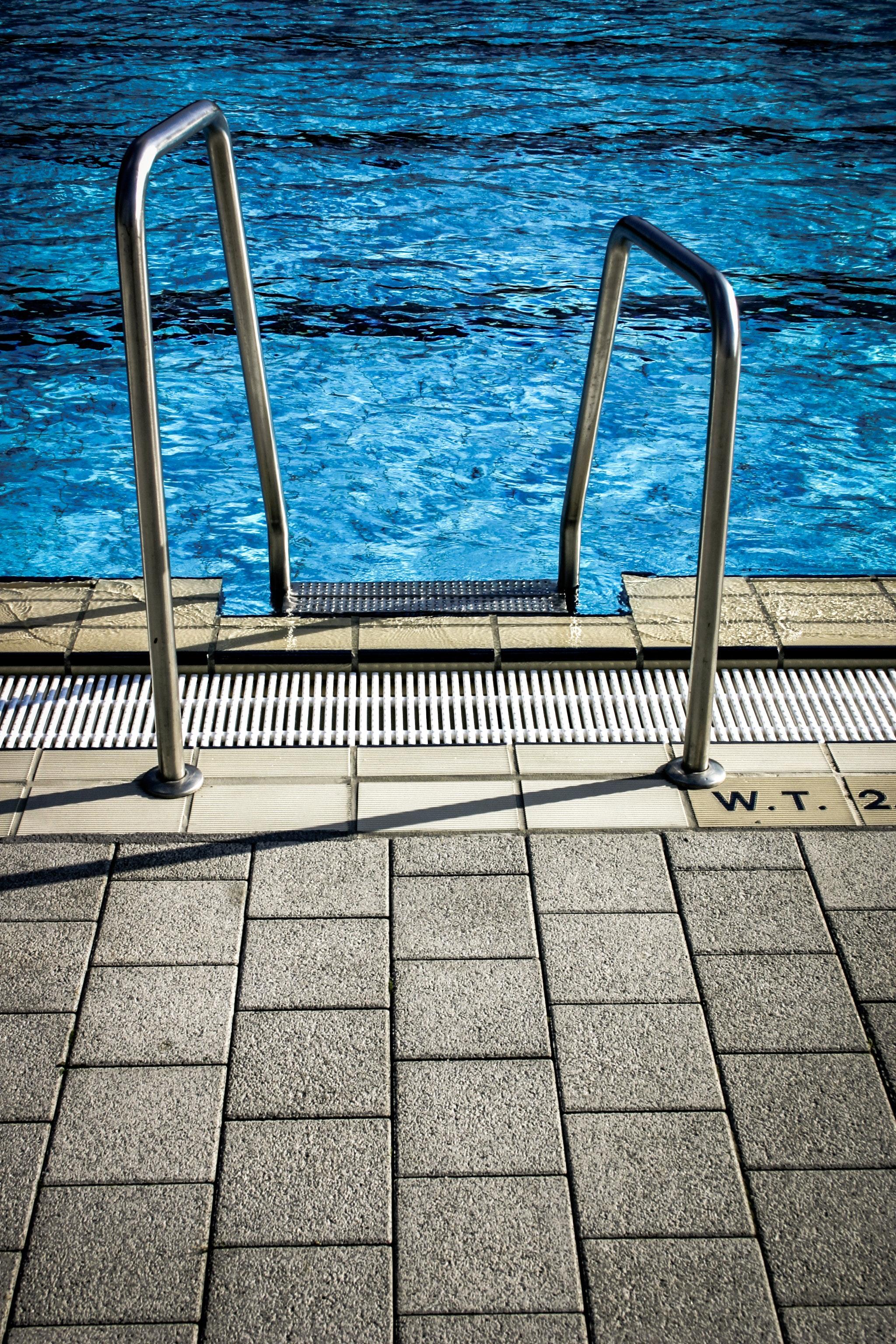 blue-water-empty-pattern-97047.jpg