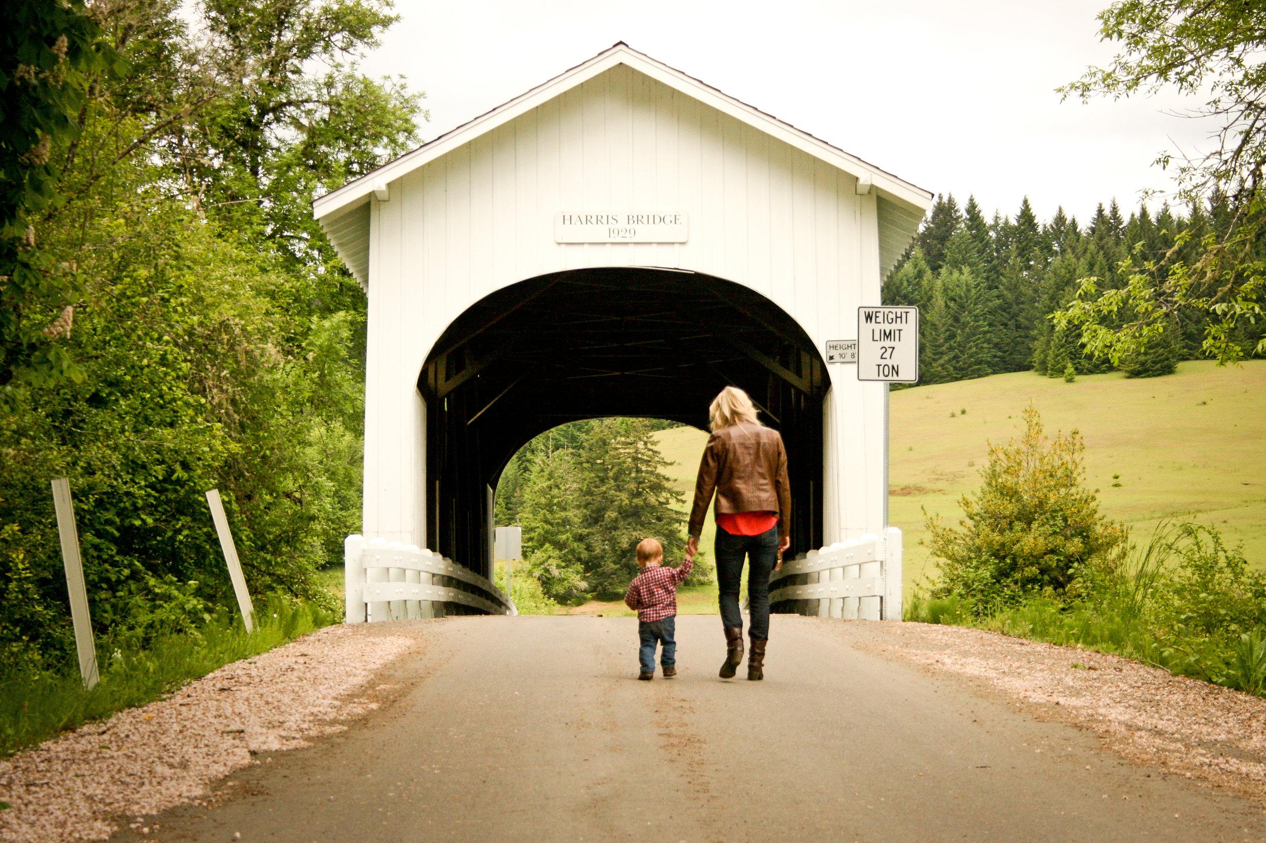 A covered bridge in the Willamette Valley, Oregon.