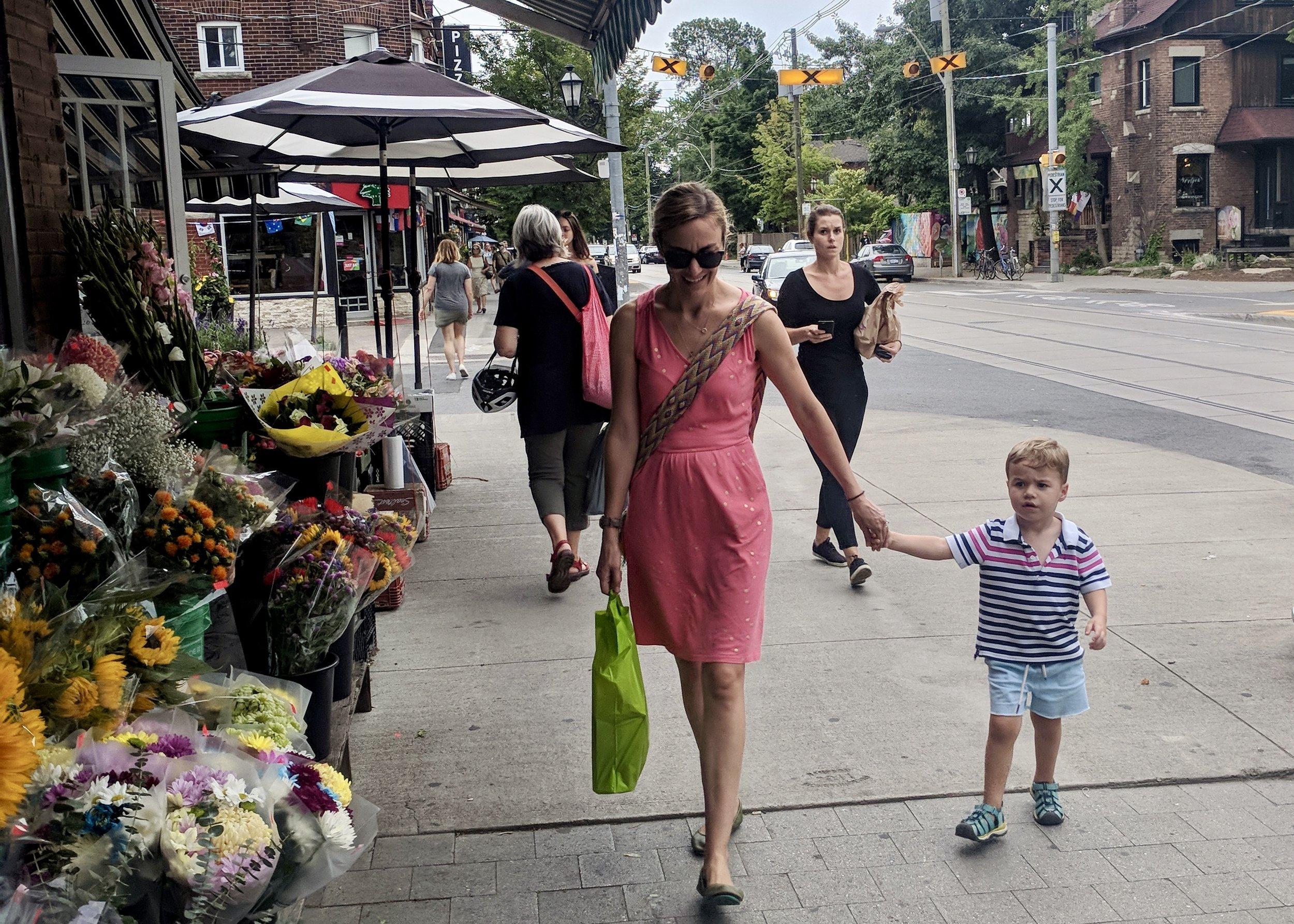 Small Town City : Walking along Roncevalles Avenue in West Toronto.