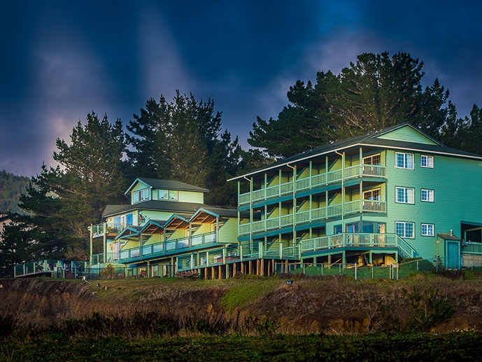 Inn of the Lost Coast - Get away from it all with unparalleled views of the Pacific Ocean, and thoughtfully appointed rooms and suites. find out more about the Inn of the Lost Coast here.