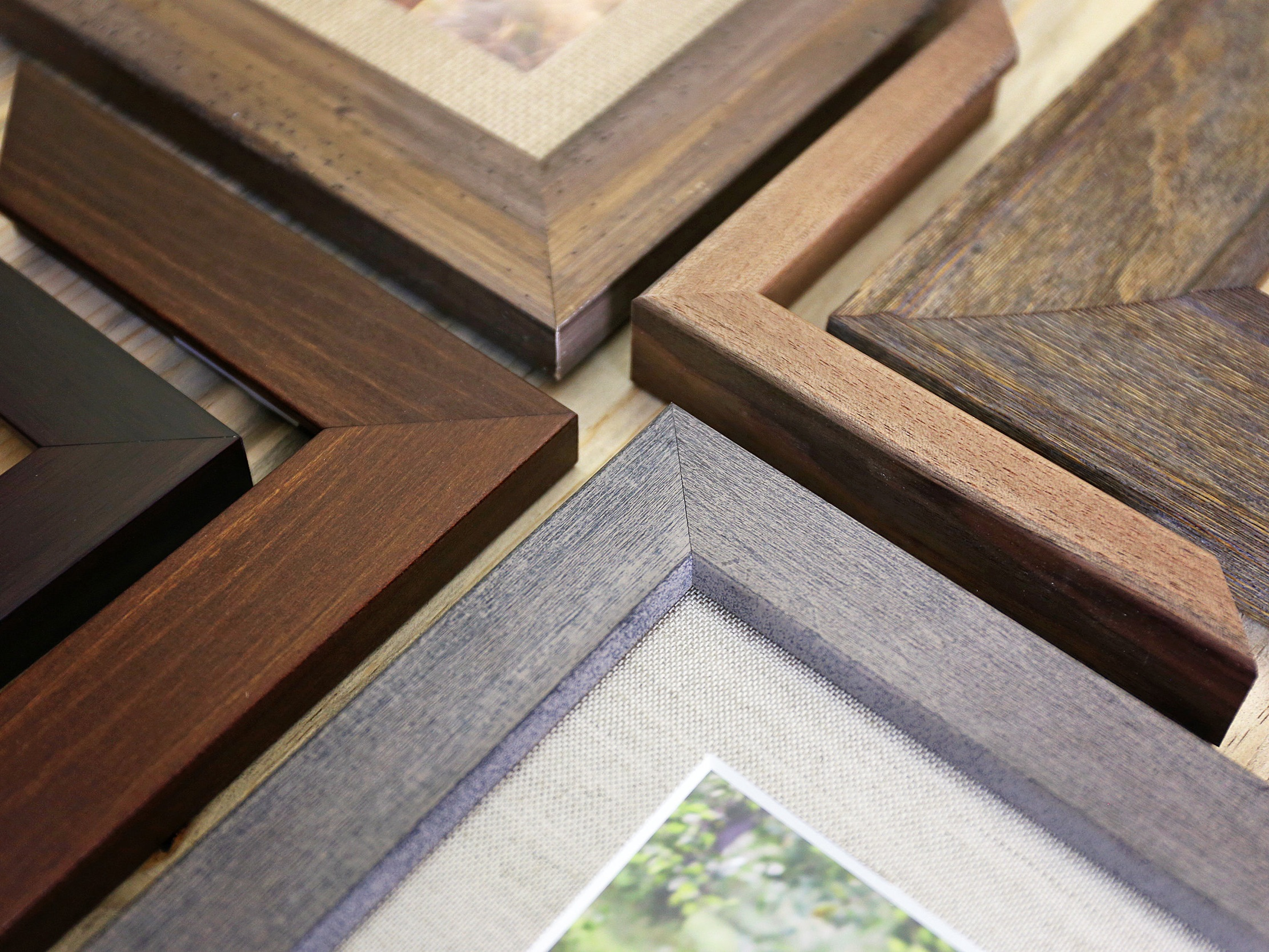 Earth Gallery & Frames - A full service art and framing company in Garberville, with a large selection of high quality picture framing moulding & mat samples for your framing needs.