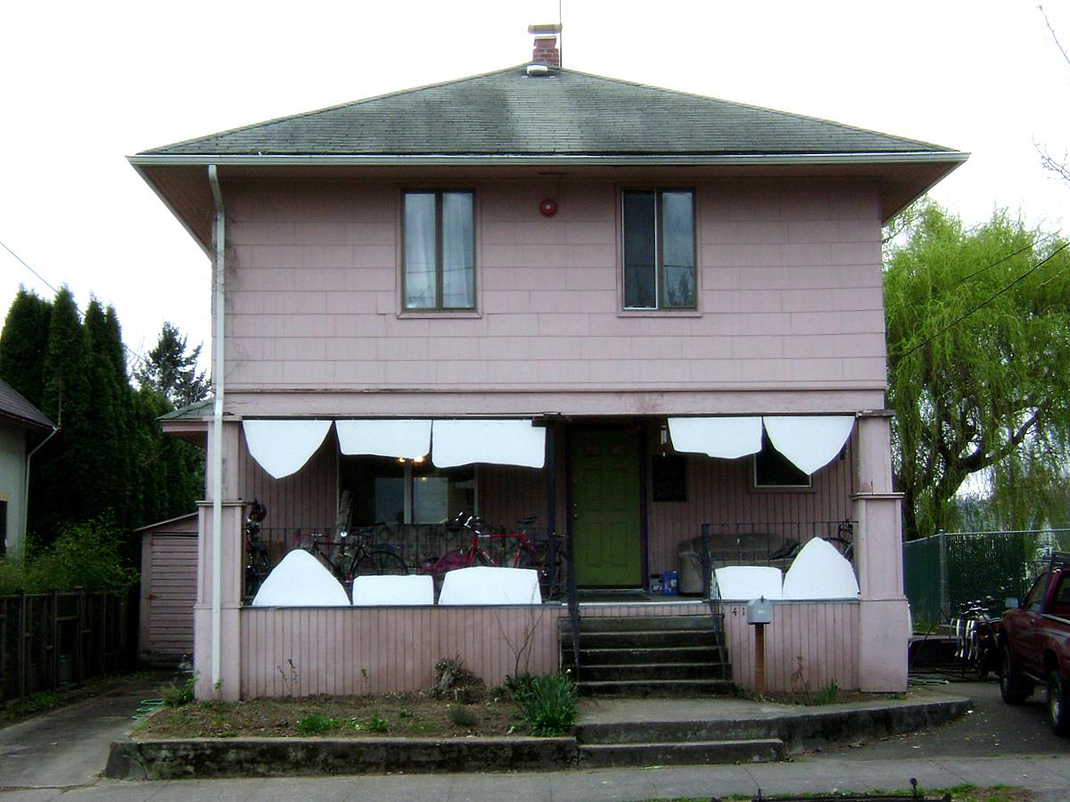 funny-house-with-teeth.jpg