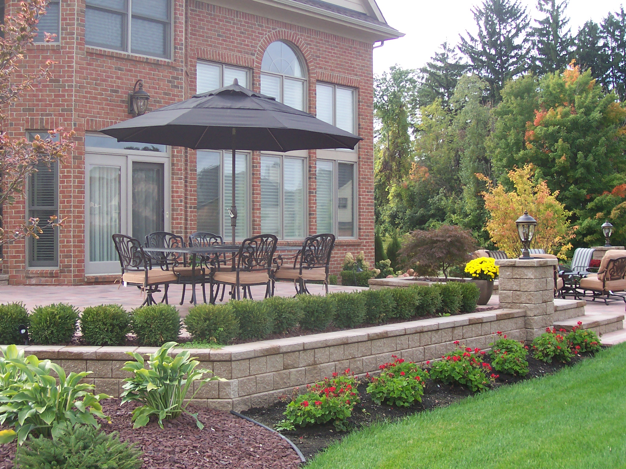 West Bloomfield Township MI top retaining wall