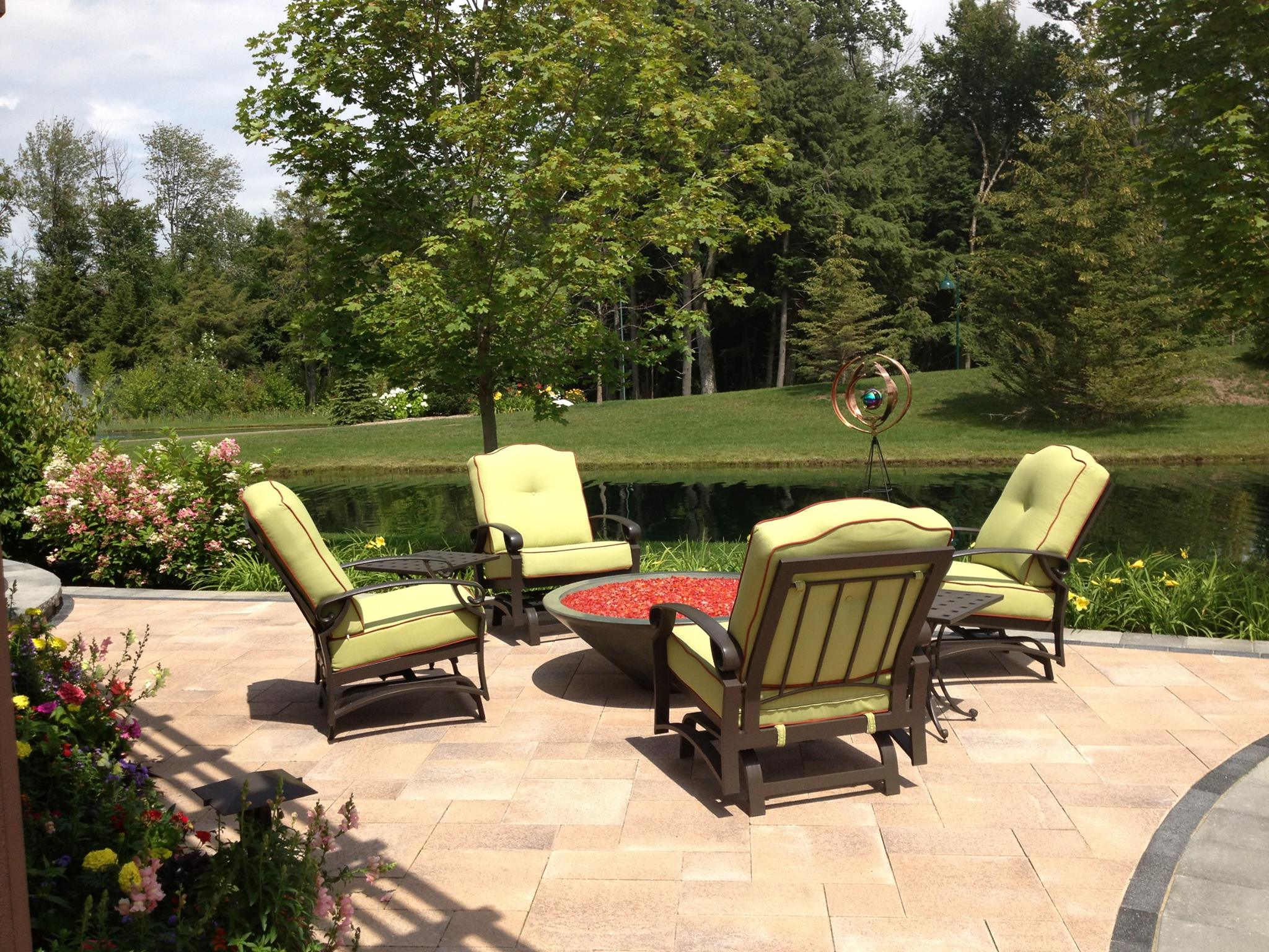 Masonry contractor with quality patio pavers and flagstone in Macomb MI