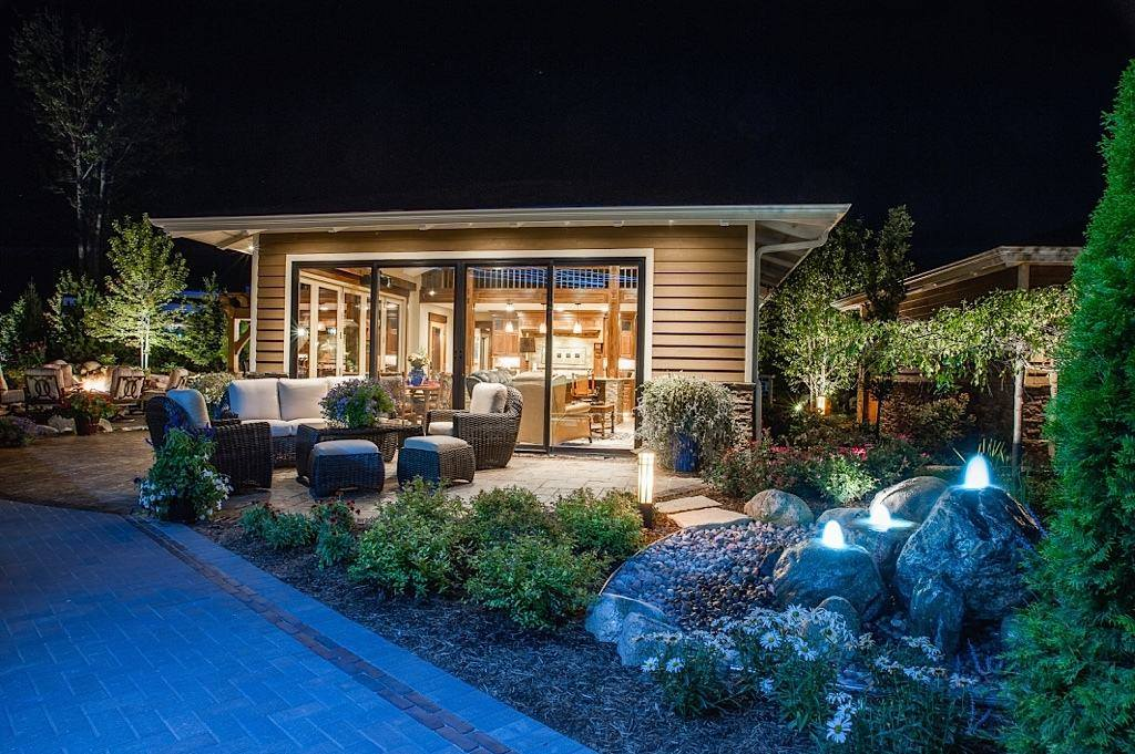 Landscape design with outdoor lighting in Troy MI