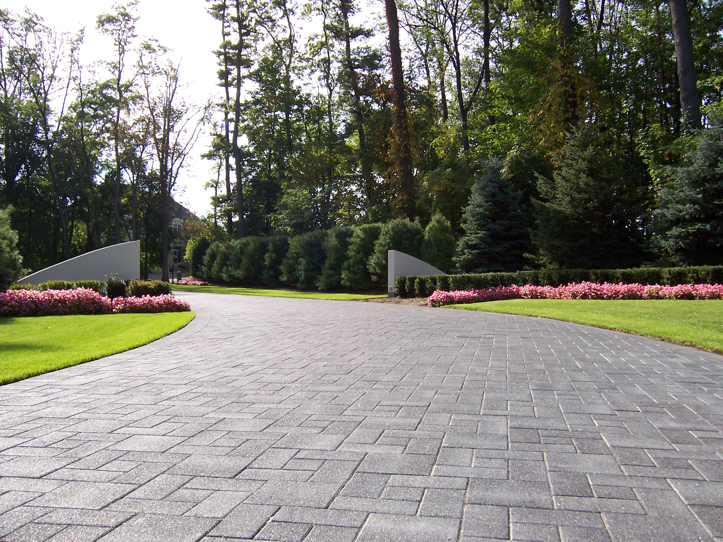 Driveway pavers and patio pavers in Macomb MI