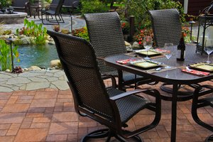 Selecting Interlocking Pavers for Your Sterling Heights, MI, Patio