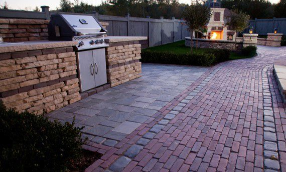 6 Ways to Use Paving Stones as Accents in Your Macomb, MI, Patio.jpg