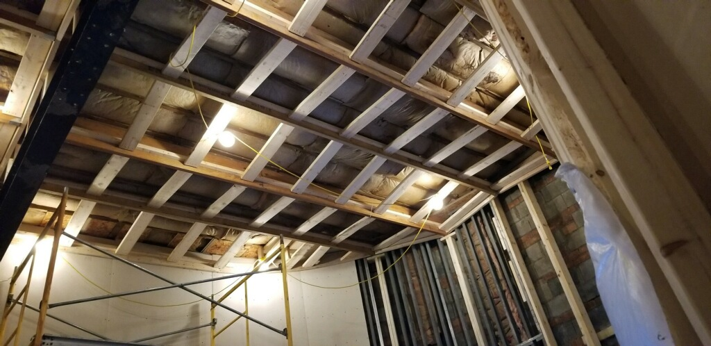 Tuxedo Avenue Recording Studios | The Metro Detroit Recording Studio | Slat Wall Ceiling