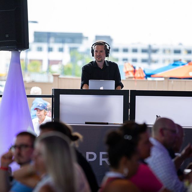 DJ Joe K at the Presidio Tech Summit's early reception. Music, games, food, sunshine, and a chance to meet Doug Flutie! @newenglandeventsdj @bostoncorporatedj @bostonconventioncenter @bostondj @outdooreventma