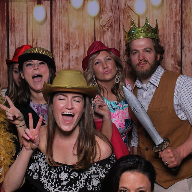 Guests having a blast with the Mirror Me Photo Booth! @camplaurelwood #newenglandeventsdj #newenglandevents #bostonphotobooth #weddingphotobooth #massachusetttsphotobooths #bostonweddings #newenglandwedding #mawedding #bostondj #weddingdjlife