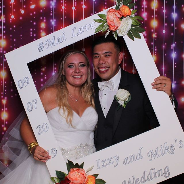 @redlioninncohasset with the Mirror Me Photo Booth! Izzy and Mike's wedding was 🔥🔥🔥! #newenglandeventsdj #newenglandevents #redlioninncohasset #bostonweddingdj #maweddingdj #djlife #massphotobooth #massachusettsphotobooth #bostonphotobooth #weddingphotobooth