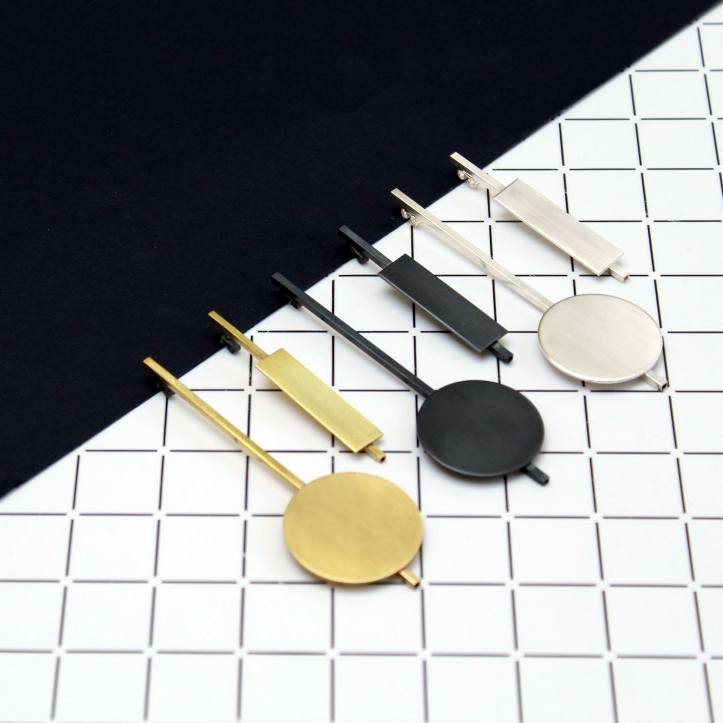 - POPPY IS HUGELY FLATTERED TO HAVE BEEN FEATURED ON THE JEWELLERY SPOT; A BLOG THAT FOCUSES ON CONTEMPORARY JEWELLERY CREATED BY INDEPENDENT MAKERS. READ THE FULL ARTICLE HERE