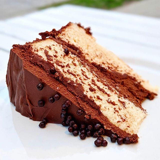 Gigi's Cafe is looking like the next dessert destination 😋 also, enjoy a BOGO coffee drink on Savour 💸