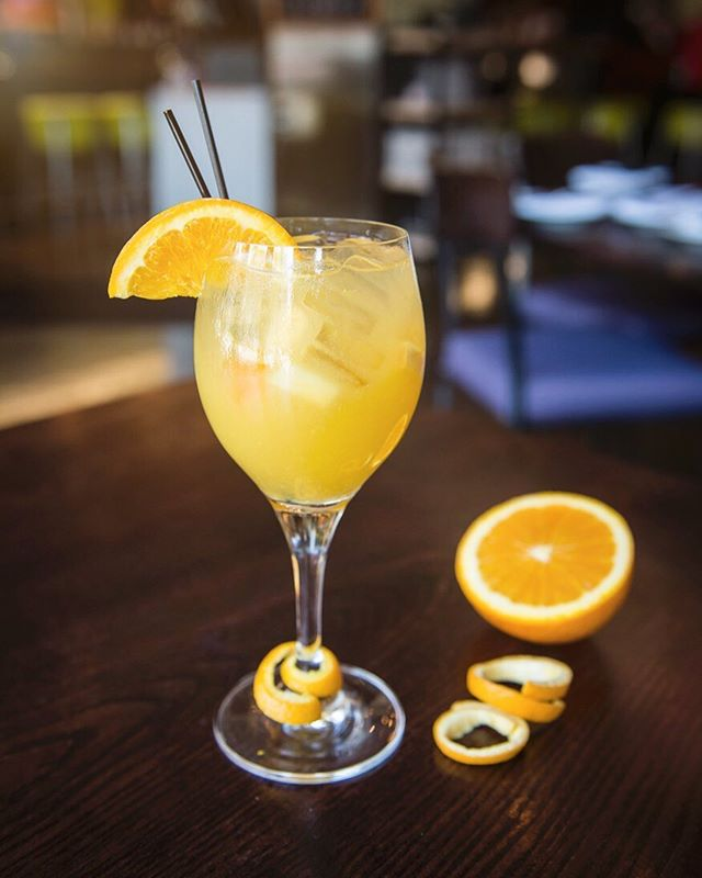 ☀️Our Summer Happy Hour starts tomorrow! Bring your friends and join us for a refreshing libation from 2:00pm to 6:00pm Monday thru Friday!🍹🍸 #sanmateohappyhour #citrus #happyhourtime