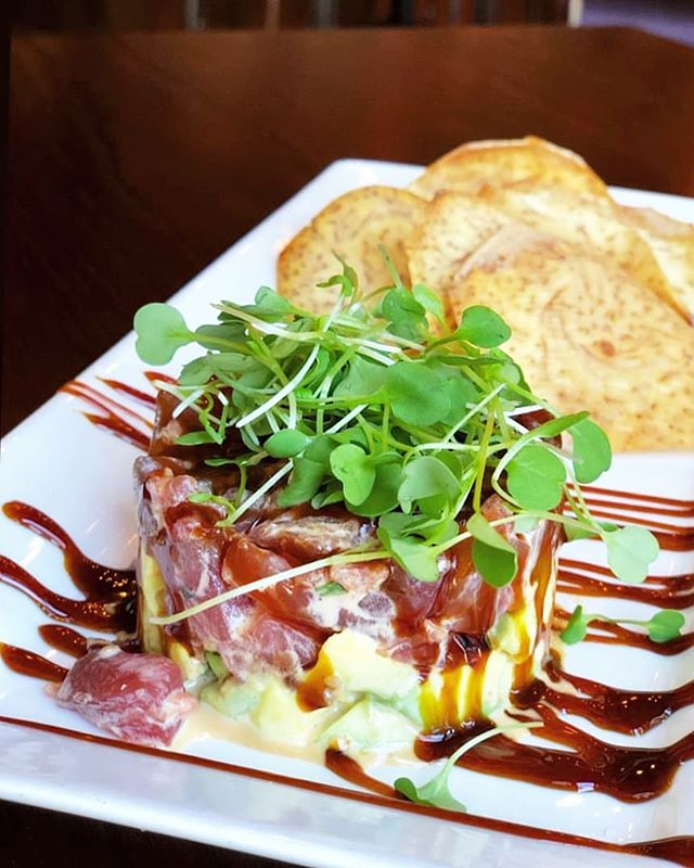 Our tuna tartare is calling you... 🌱🍽 Eat appetizers with your friends and coworkers at @threesanmateo seven days a week! #foodiesofsf #ahitartare  #businesslunch . . 📷: @mama_jlinlin