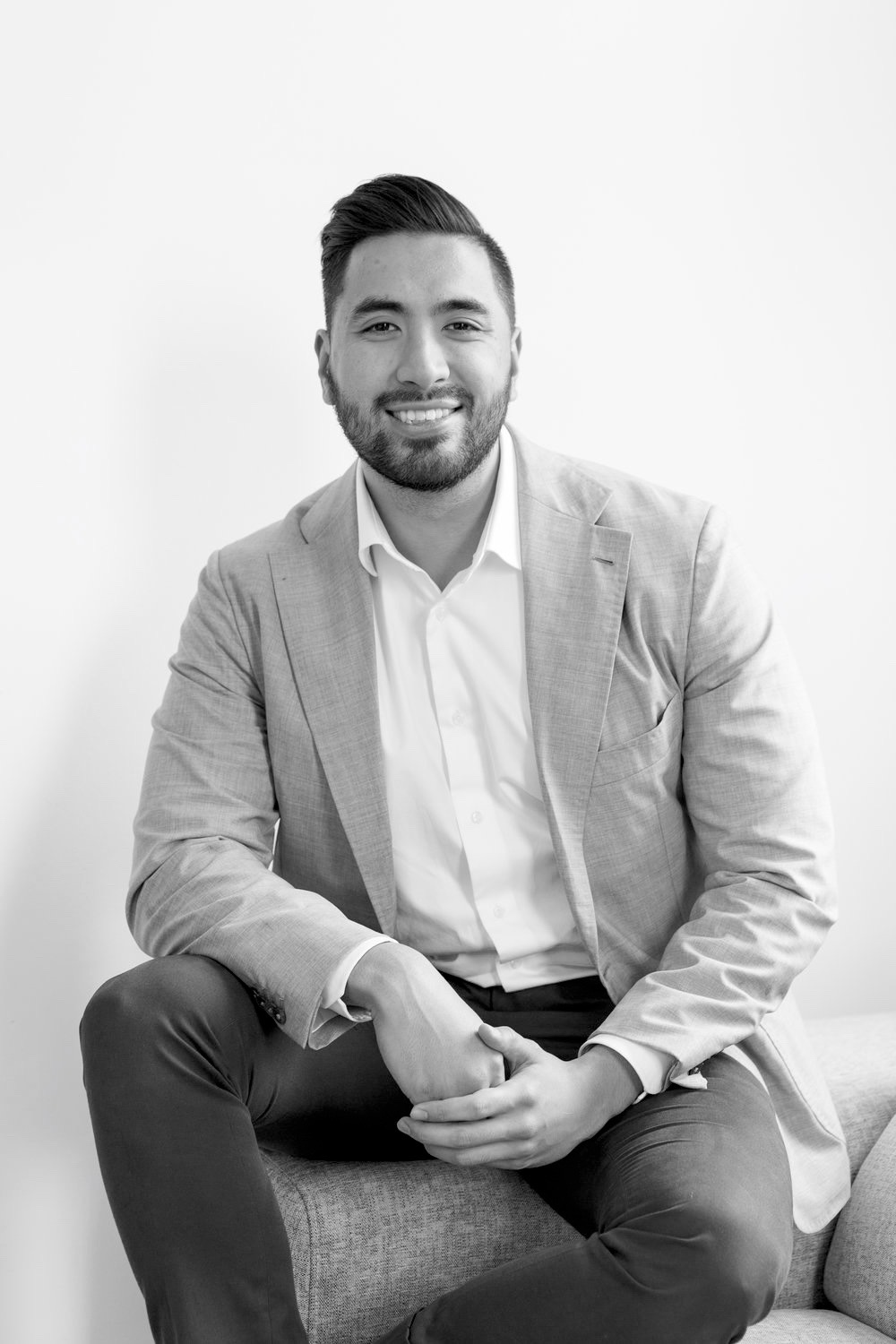 Aaron Thoo  Operations Director   Aaron describes himself as calm, cool, and collected. Character traits that are pivotal to his role as Operations Manager. With his analytical mind and attention to detail, he ensures that all projects are of outstanding quality and delivered smoothly and with an excellent service experience for the client. His ultimate goal is to improve each client's renovation experience.  Aaron graduated from UTS with a Bachelor of Civil Engineering and gained valuable experience in the construction industry working for ten years as a Project Manager and Financial Controller for high rise residential developments.  He loves the high standards of the Integriti brand and the down-to-earth nature of his colleagues. His never-give-up attitude fuels his constant drive for improvement and growth.