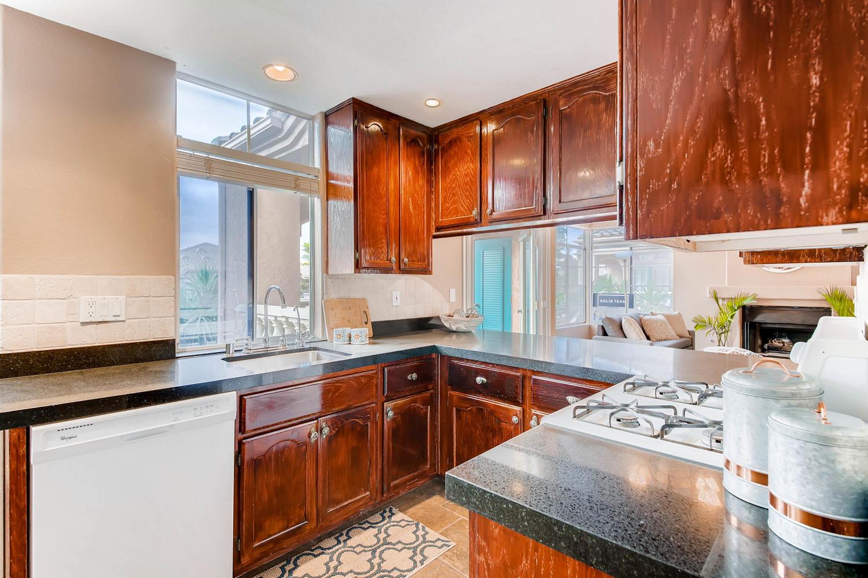3555 Cameo Dr 64 Oceanside CA-large-011-28-Kitchen-1500x1000-72dpi.jpg