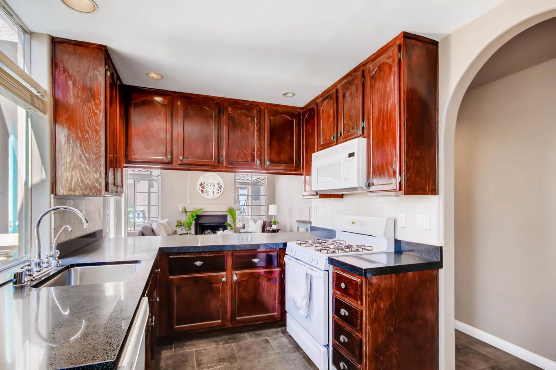 3555 Cameo Dr 64 Oceanside CA-large-014-17-Kitchen-1500x1000-72dpi.jpg