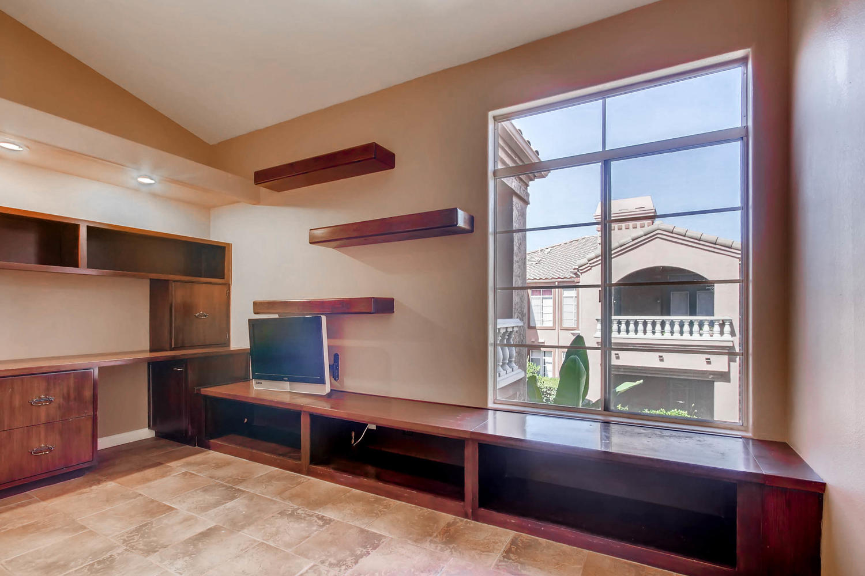 3555 Cameo Dr 64 Oceanside CA-large-025-15-Bedroom-1500x1000-72dpi.jpg