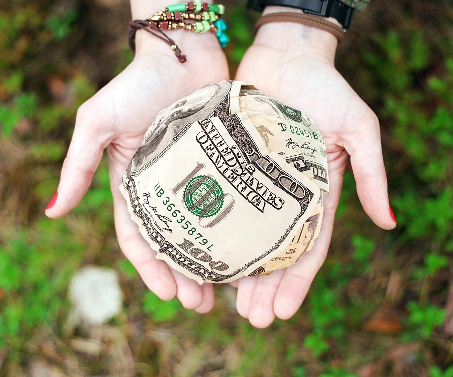 bracelets-cash-crumpled-271168.jpg
