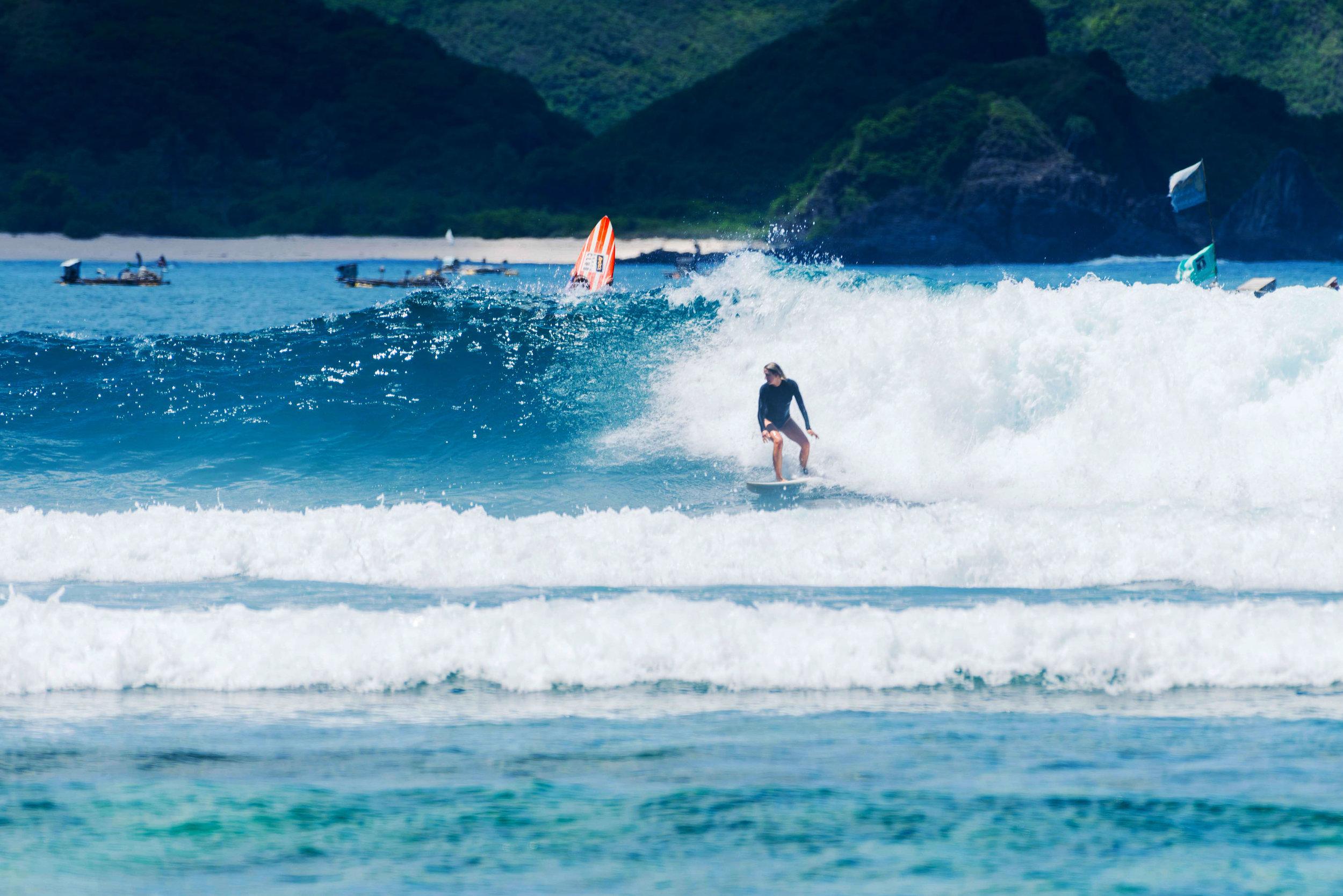surfing_in_lombok