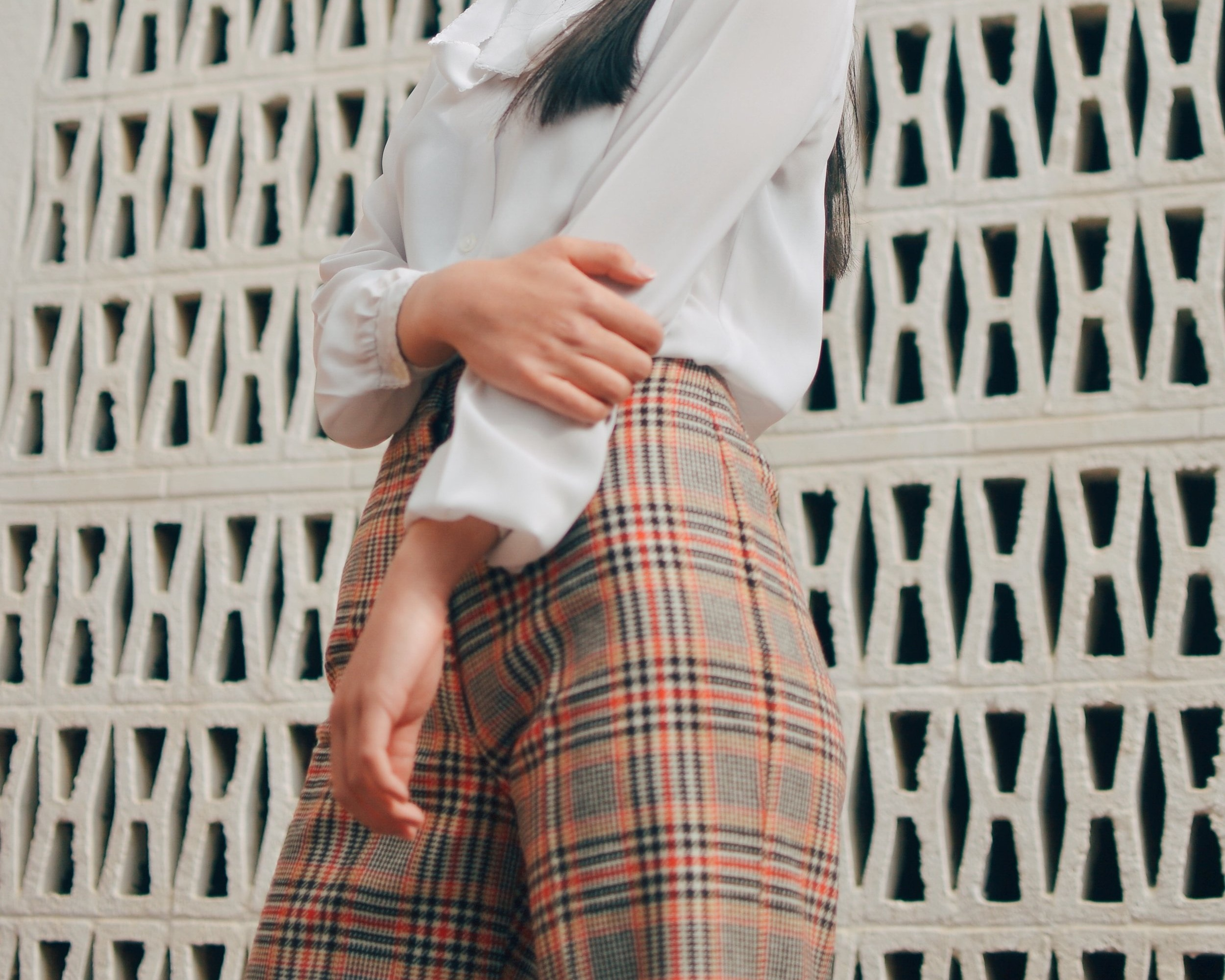 ARCHIVED FASHION IS THROWING US BACK TO THE 90's - Brace for a resurgence of archived fashions from the 90s with plaids, bucket hats, tiny bags, and statement headbands. Earlier decades are getting a spotlight too, with flared pants and the 80s menswear silhouettes. This is another indication that mixes of vintage and modern is a major theme this year.
