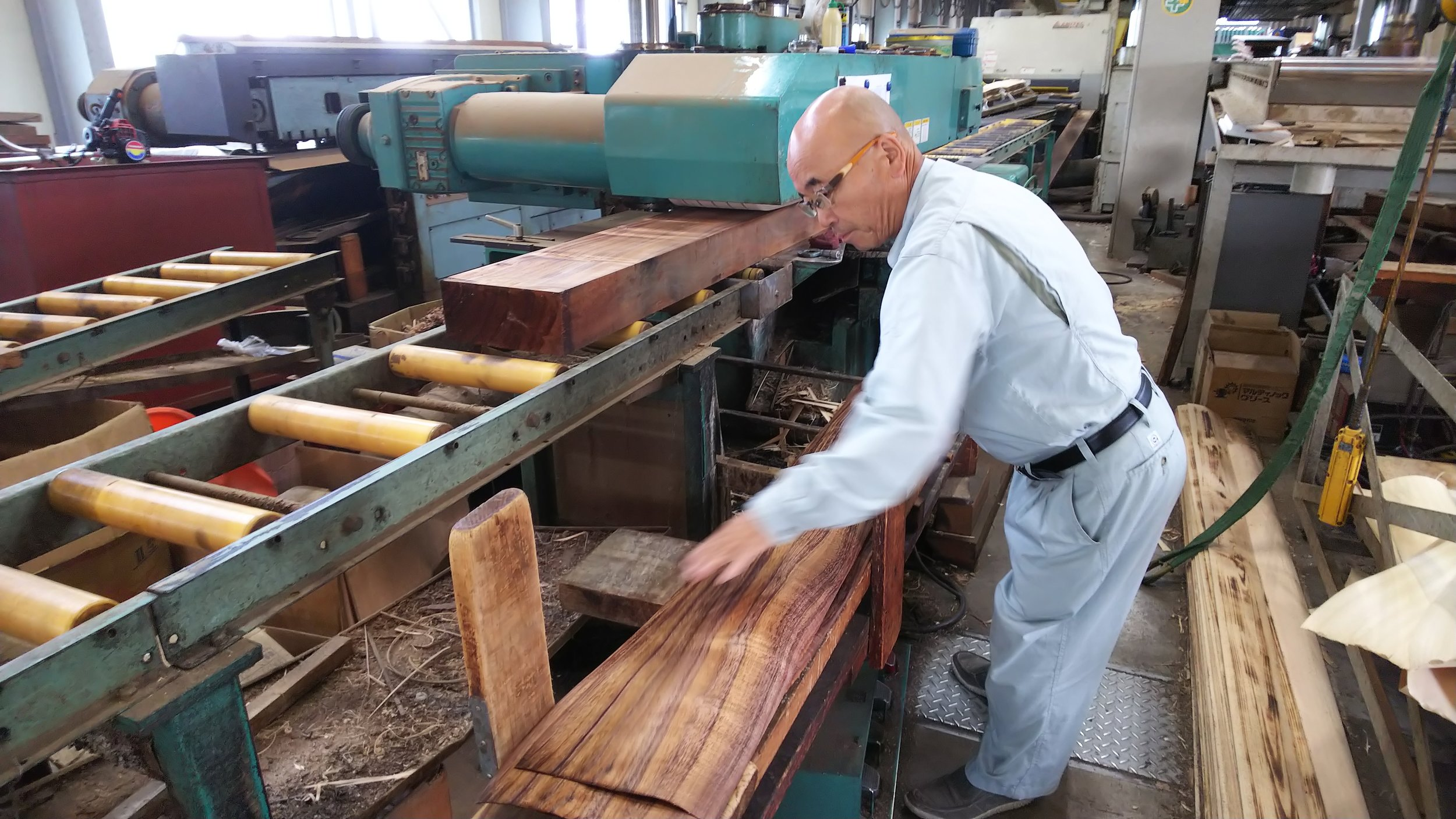 Slicing Koa Veneers