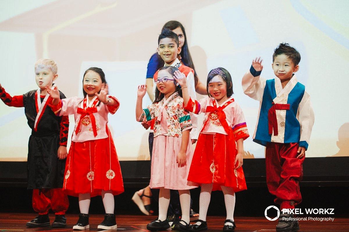 007-kids-in-performance-costumes_1.jpg